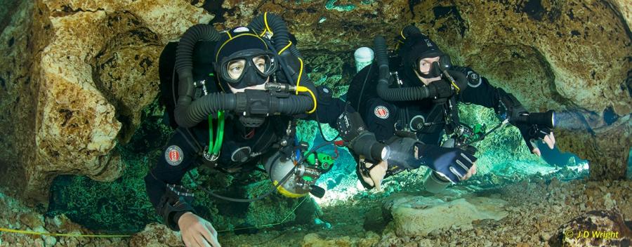 Rebreather Cave Diver (SCR & CCR)