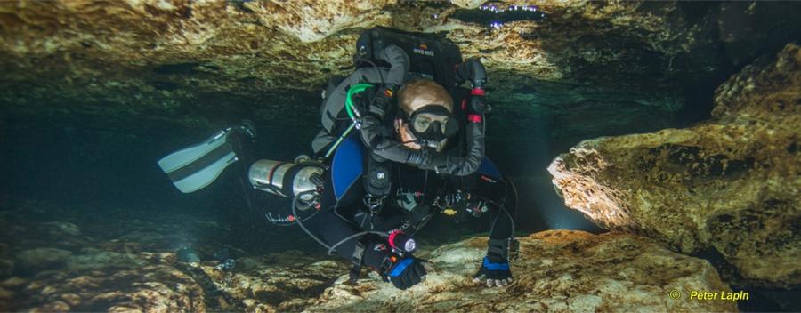 Tek Lite Rebreather Cave Diver